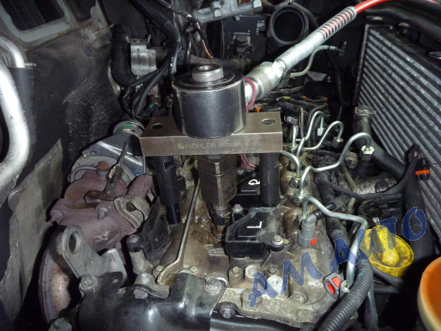 Injector                   removal from Renault Trafic / Opel Vivaro with 2.3                   engine